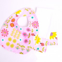 Daisy Dance Bib and Burp Cloth Set